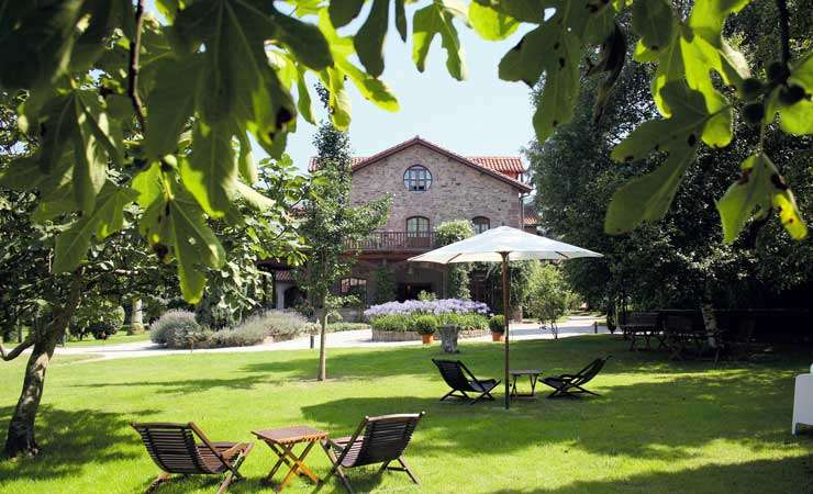 <strong>Boutique Hotels in Picos de Europa with charm and Country Houses in Picos de Europa - Jardin de Carrejo</strong>