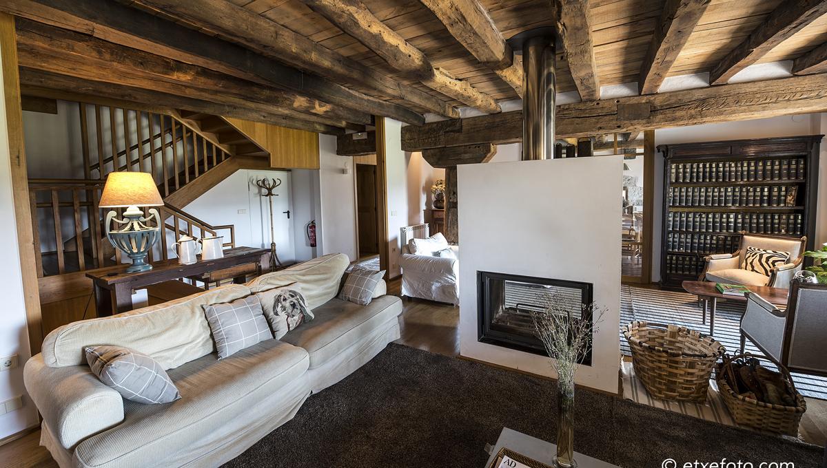 Hoteles en navarra rom nticos casas rurales con encanto for Decoracion de casas rurales con encanto