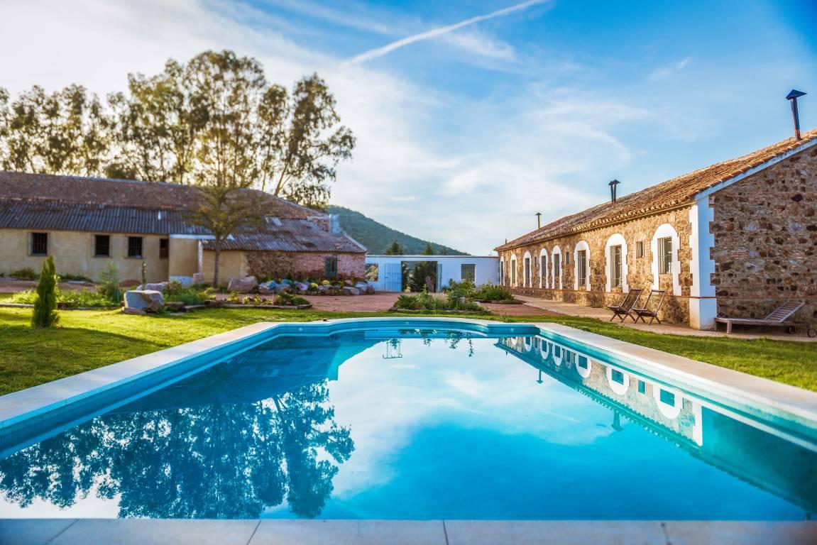 <strong>Hotels in Córdoba - Aguas Villaharta Hotel Pool</strong>
