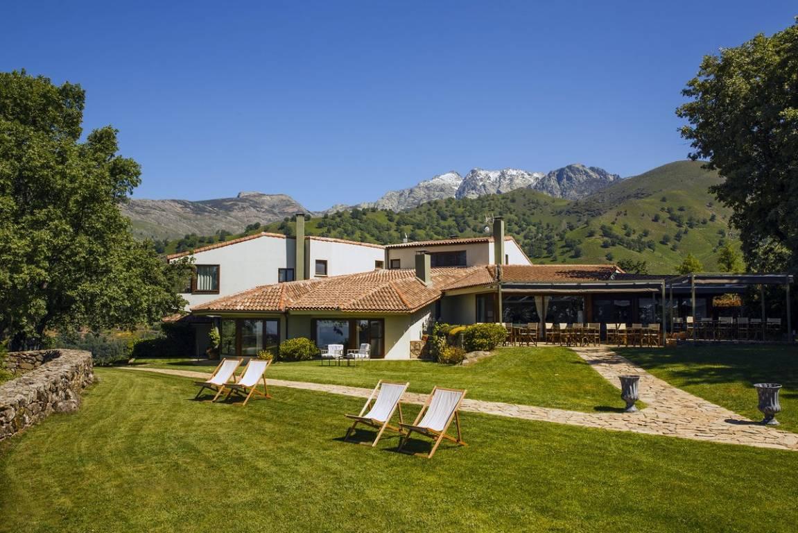 <strong>Hotel Casa Rural en Ávila Nabia Jardin</strong>