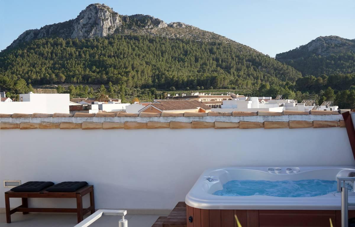 <strong>Casas Rurales en Pueblos de la Comunidad Valenciana con Encanto Rusticae - Hotel Mardenit jacuzzi</strong>