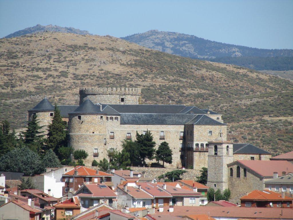 <strong>Hoteles y Casas Rurales en Ávila Palacio de Maglia Navas del Marques</strong>