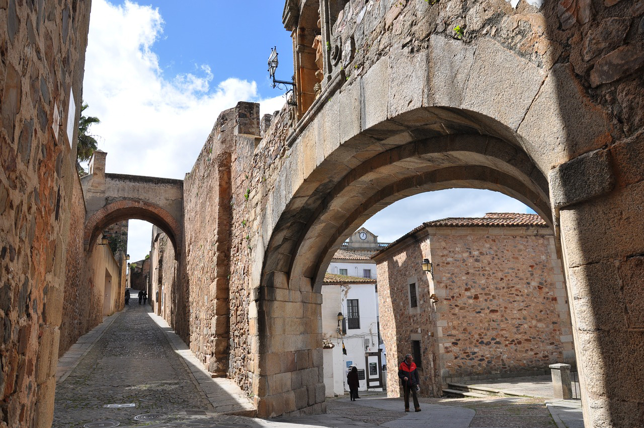 BOUTIQUE RURAL HOUSES IN CACERES WITH LUXURY ROMANTIC