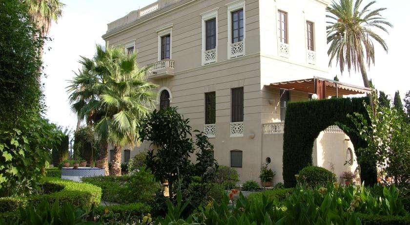 <strong>Hoteles en Motril con encanto piscina</strong>