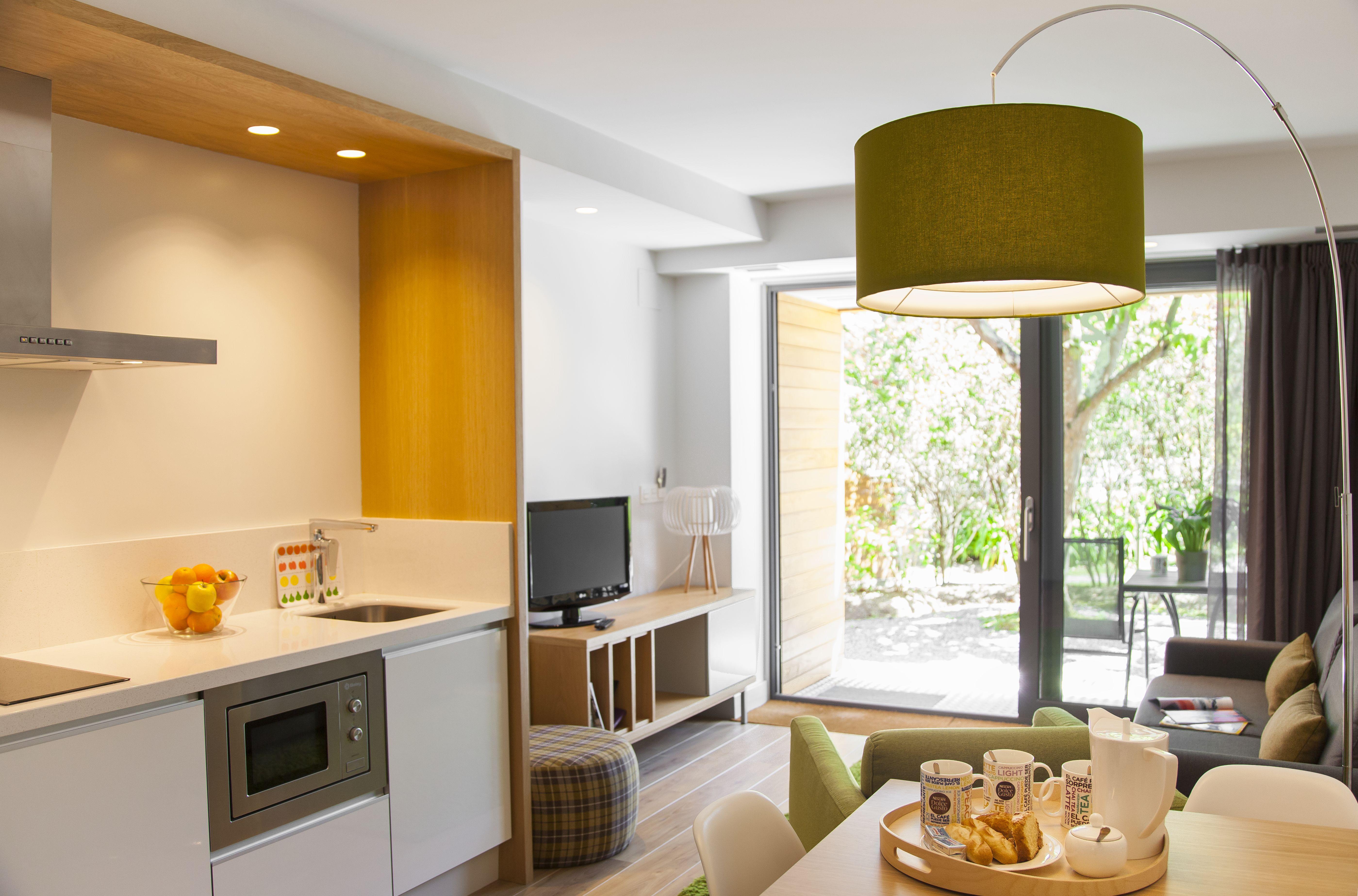 <strong>Apartamentos y Hoteles en Alquiler Completo Rusticae cocina</strong>
