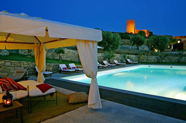 <strong>ROMANTIC GETAWAY IN HOTEL ROMANTICO CASAS DO CORO, PORTUGAL</strong>
