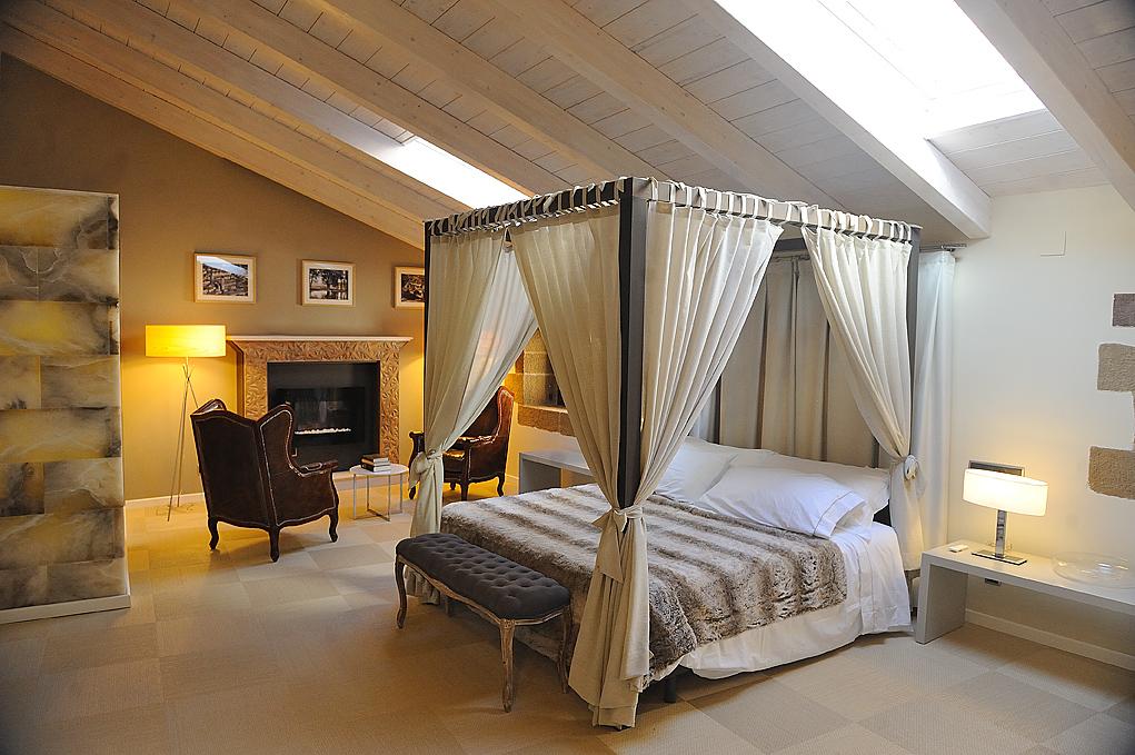 <strong>ROMANTIC GETAWAY IN HOTEL POSADA DE MOSQUERUELA (TERUEL)</strong>