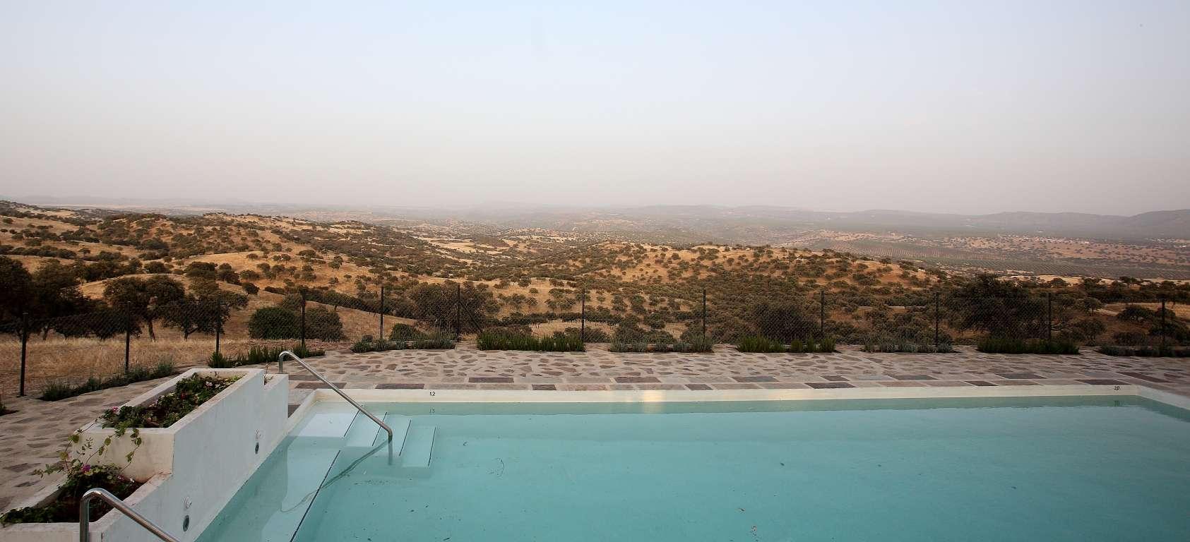 Hotel Rural en Vilches Finca El Añadío - Piscina paisaje