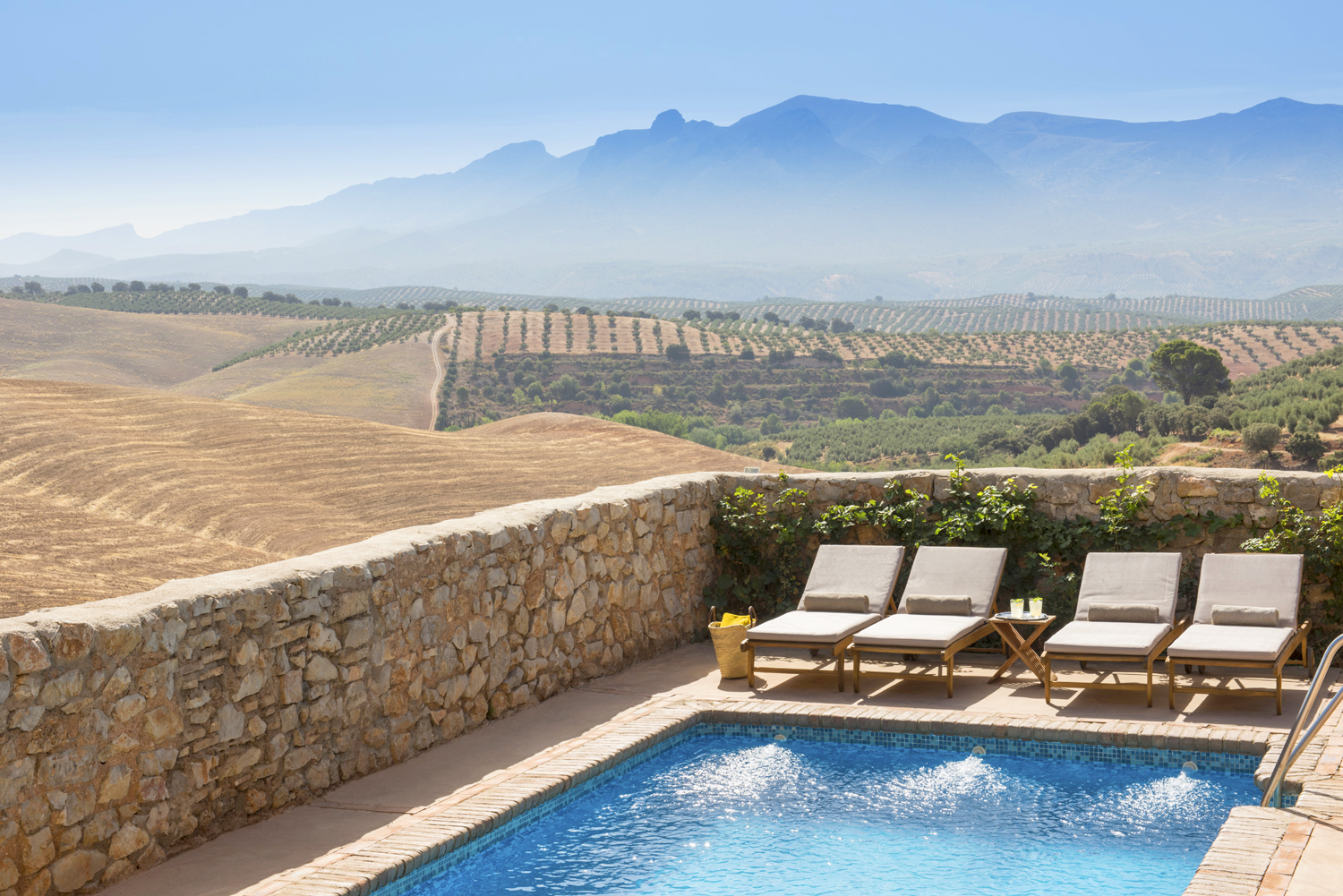 <strong>Hotels in Granada, Spain - Cortijo del Marques Pool Hotel</strong>
